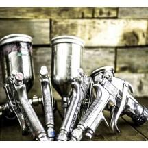 Ferramentas e consumíveis para pintar uma bicicleta